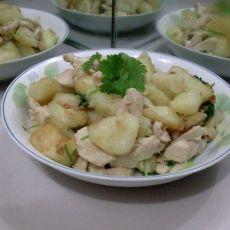 鸡胸肉焖土豆