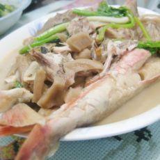 潮汕菜脯焖红角鱼的做法
