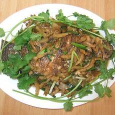 罗非鱼焖炸菜的做法