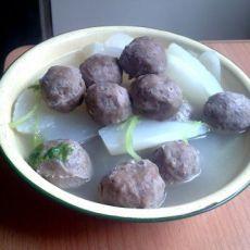 白萝卜牛肉丸汤