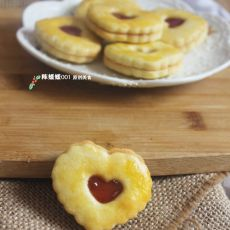 草莓酱夹心小饼干
