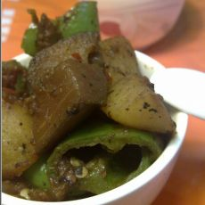 铁锅烩菜的做法