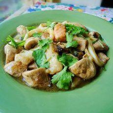 杂锦海鲜烩蘑菇