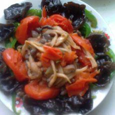 西红柿木耳烩辣椒
