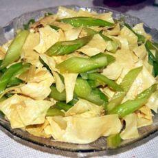 豆皮炝芹菜