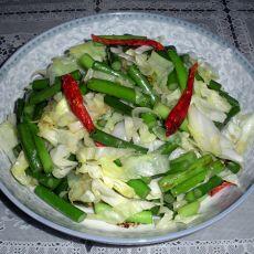 蒜苗炒洋白菜