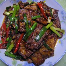 蒜苗豆腐回锅