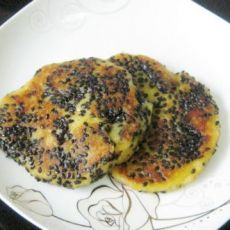 黑芝麻地瓜糯米饼
