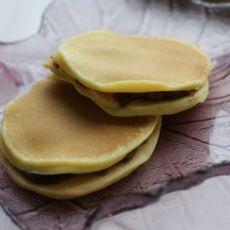 蛋奶豆沙夹心煎饼