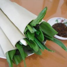 蔬菜小葱卷干豆腐