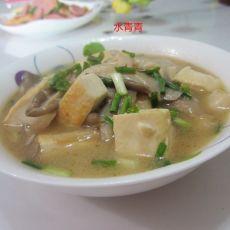 磨菇煮豆腐的做法