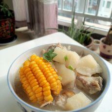 萝卜玉米大骨汤