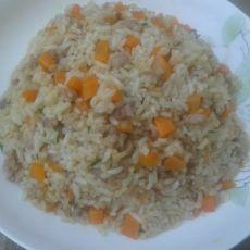 胡萝卜肉末炒饭