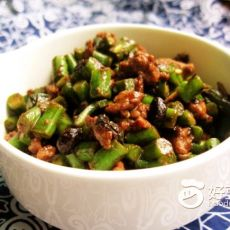 豆豉肉末炒豇豆的做法