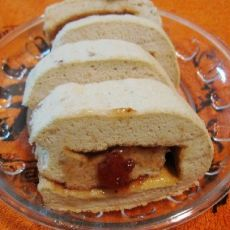 草莓酱栗子蛋糕卷的做法