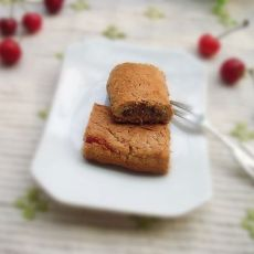 草莓果酱夹心酥条