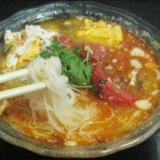 番茄鸡蛋煮米线的做法