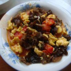 西红柿木耳炒鸡蛋的做法