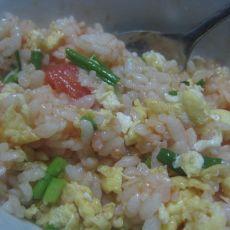 番茄鸡蛋炒饭的做法