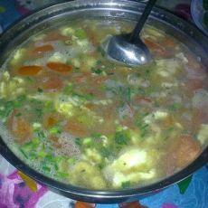 鸡蛋肉片番茄豆米汤