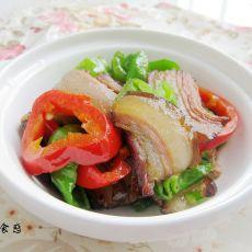 青红椒炒烟熏腊肉
