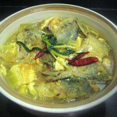 咖喱豆腐鲳鱼煲的做法