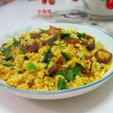 油咖喱腊肠蒜炒饭