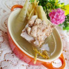 猪骨煲苓薯茅根汤的做法