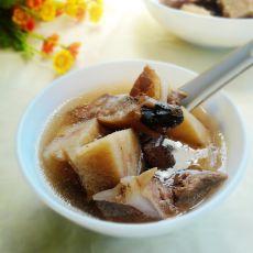 土茯苓粉葛排骨汤的做法