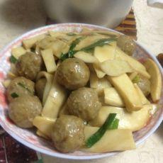 贡丸焖鸡腿菇