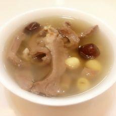 莲子猪心汤的做法