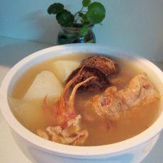 白萝卜瑶柱煲猪骨汤