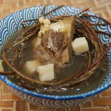 鸡骨草茯苓猪横利养肝祛湿汤的做法