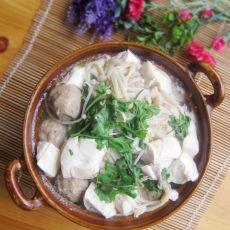 金针菇豆腐煲的做法