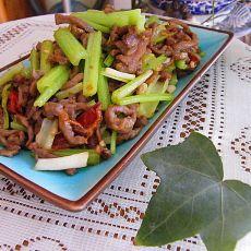 芹菜牛肉的做法