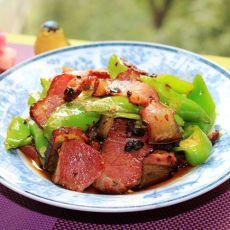 腊肉炒尖椒