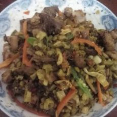 酸豆角炒鸭肉的做法