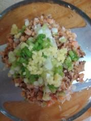 东江酿豆腐的做法步骤:4