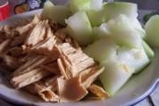 腐竹烧冬瓜的做法步骤:2