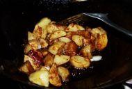 素菜荤吃的红烧土豆的做法步骤:6