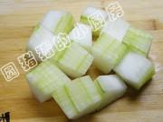 豆豉烧冬瓜的做法步骤:1