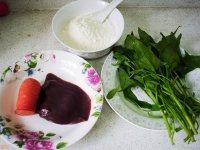 猪肝胡萝卜菠菜面的做法步骤:1