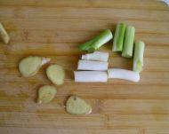 钵钵鸡的做法步骤:2