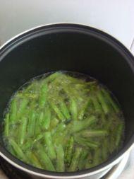 干煸四季豆的做法步骤:4