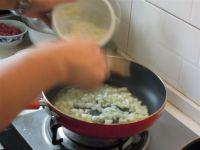 黑椒牛排配土豆泥的做法步骤:7