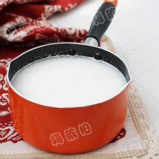 茯苓杏仁奶茶的做法
