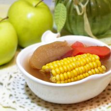 玉米苹果红萝卜汤的做法