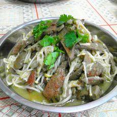 金针菇炒猪肝的做法
