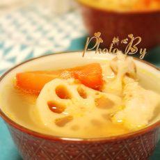 番茄莲藕排骨汤的做法