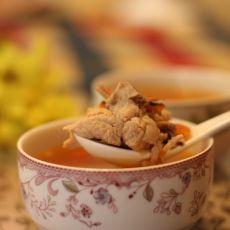 番茄墨鱼排骨汤的做法